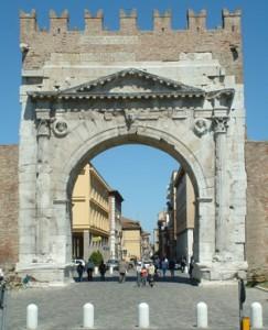 Dettaglio sull'Arco d'Augusto a Rimini