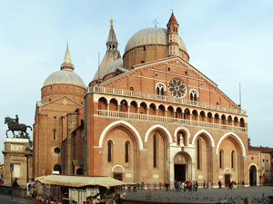 Dettaglio su Basilica di Sant'Antonio di Padova