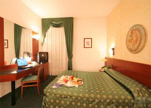 Dettaglio su camera hotel turismo