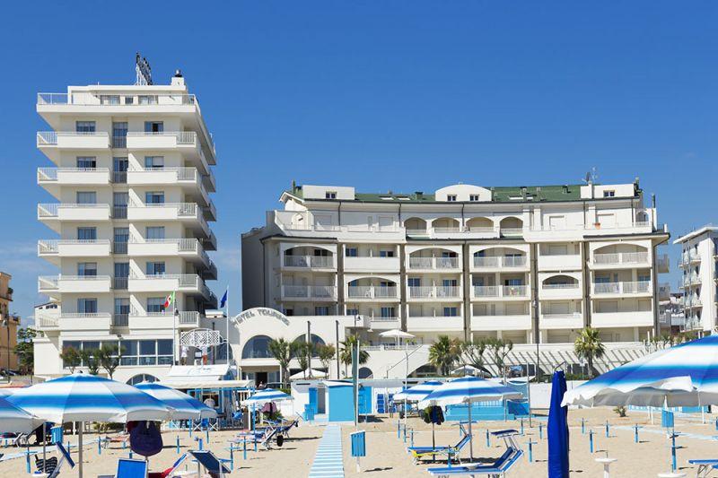 Alberghi sul mare rimini hotel direttamente sul mare a for Hotel barcellona sul mare